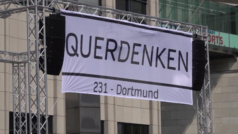Verfassungsschutzbericht: Querdenker in NRW radikalisieren sich (Foto: SAT.1 NRW)
