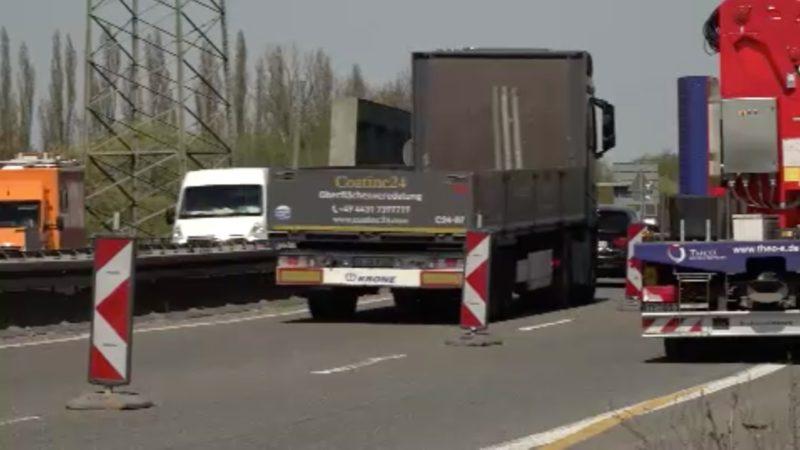 LKW zu schwer für  A43-Brücke (Foto: SAT.1 NRW)