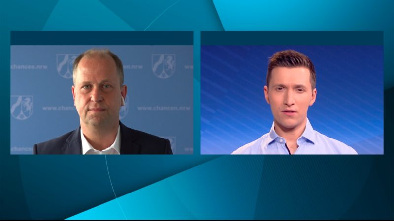 Interview mit Familienminister Joachim Stamp über den Kita-Regelbetrieb (Foto: SAT.1 NRW)