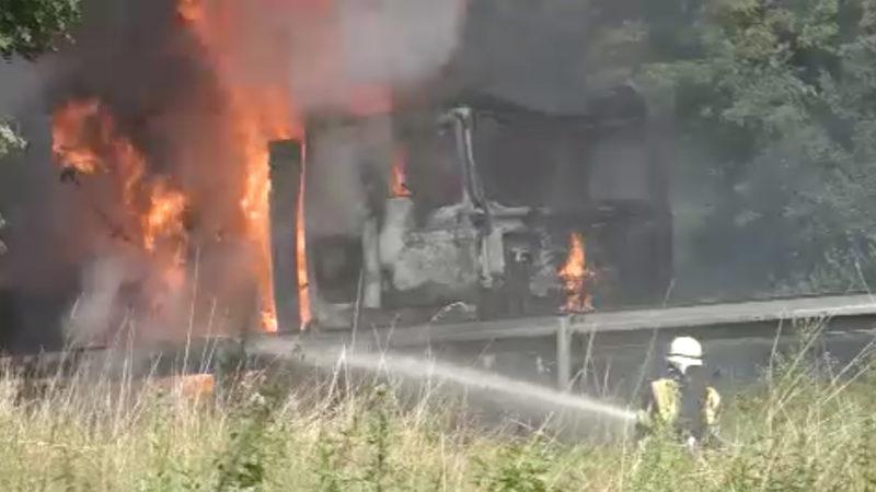 Verkehrschaos nach Feuer (Foto: SAT.1 NRW)