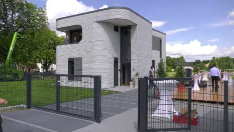 Erstes Haus aus dem 3D-Drucker fertig (Foto: SAT.1 NRW)