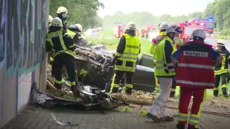 Aqua-Planing Unfälle auf A57 (Foto: SAT.1 NRW)