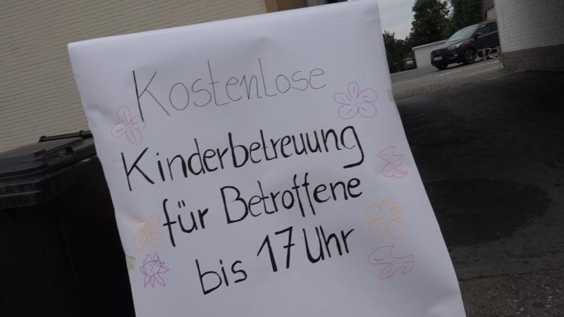 Zusammenhalt in der Not (Foto: SAT.1 NRW)