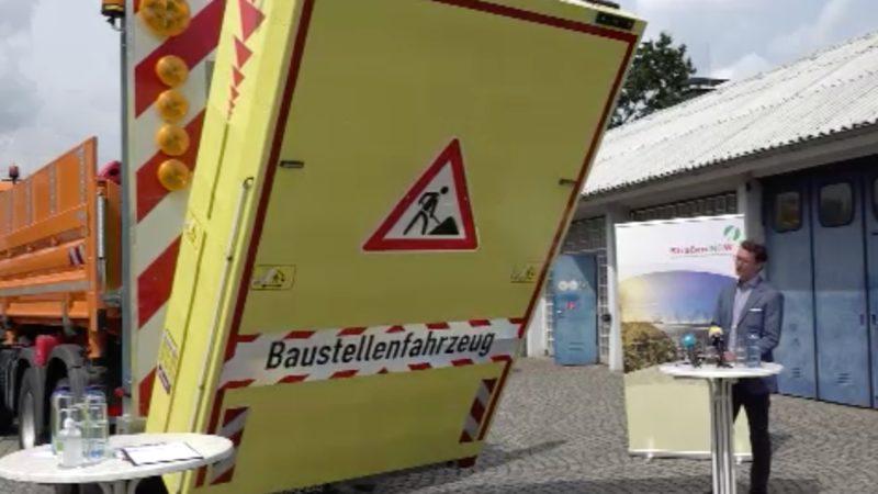 Neues Baustellenfahrzeug schützt Arbeiter (Foto: SAT.1 NRW)