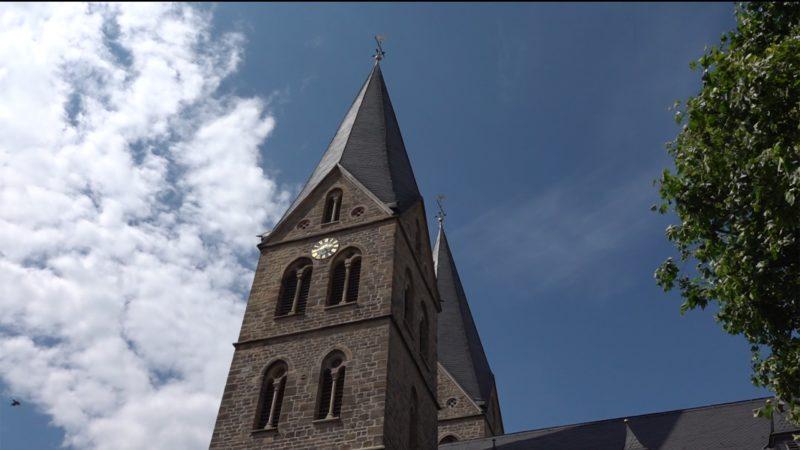 Tresor aus Kirche geklaut (Foto: SAT.1 NRW)