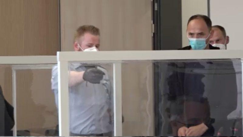 Mutmaßliche Shell-Bankräuber vor Gericht (Foto: SAT.1 NRW)