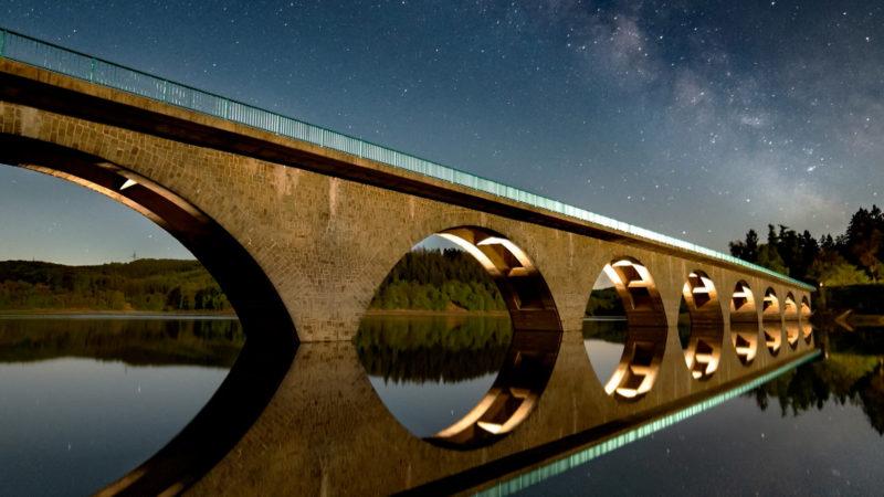 NRWs Himmel bei Nacht (Foto: SAT.1 NRW)