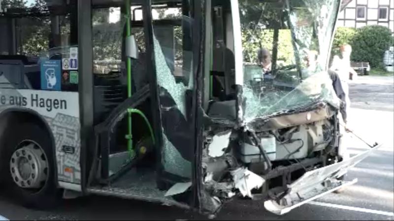 Schwerer Verkehrsunfall in Hagen (Foto: SAT.1 NRW)